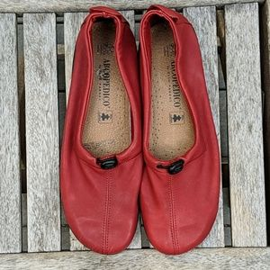 NWOT Arcopedico New Queen II Red Leather Loafers